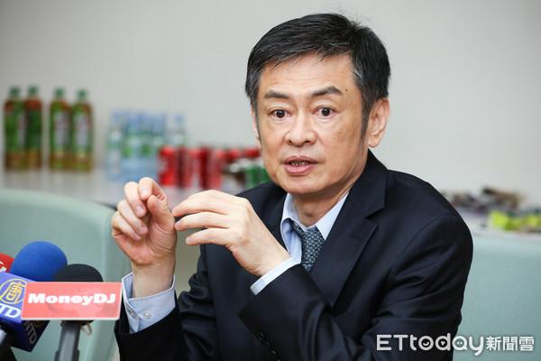 股王大立光8/6除息 股民每張可領6.8萬元現金入袋