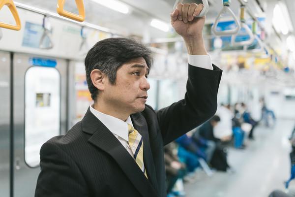搭乘日本列車(圖/取自Pakutaso)
