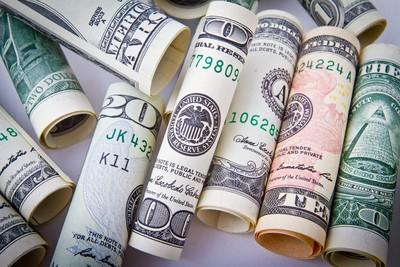 2因素衝擊!外幣保單前5月銷售大衰退