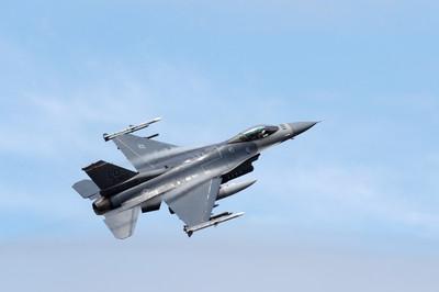 駐日美軍F-16模擬彈掉落 北部基地暫停訓練
