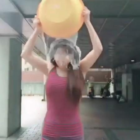 ▲朴春接受冰桶挑戰。(圖/翻攝自朴春IG)