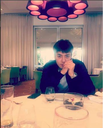 ▲▼南韓網友吃飯巧遇EXO世勳。(圖/翻攝自韓網、世勳IG)