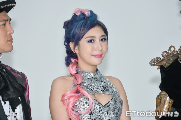 ▲�窦智孔、范乙霏出席 雨生唯一音乐剧代表作《吻我吧娜娜》宣传照拍摄。(图/记者张一中摄)