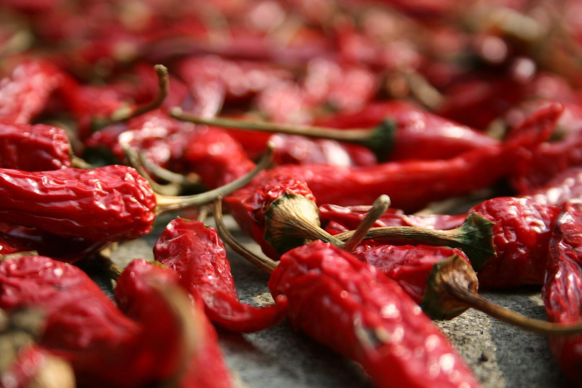 ▲▼辣椒,醬料,重口味,重鹹,用餐,雞翅,加辣。(圖/翻攝自pixabay)