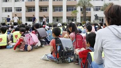 「校規禁帶手機」地震時沒收! 大阪學生怒:守規矩會害死人
