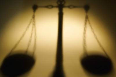 圓方/獄政案中有罪推定的失衡法秤