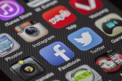 印度政府嚴控社群媒體!下令業者提供用戶身份、追蹤貼文 遭WhatsApp拒絕