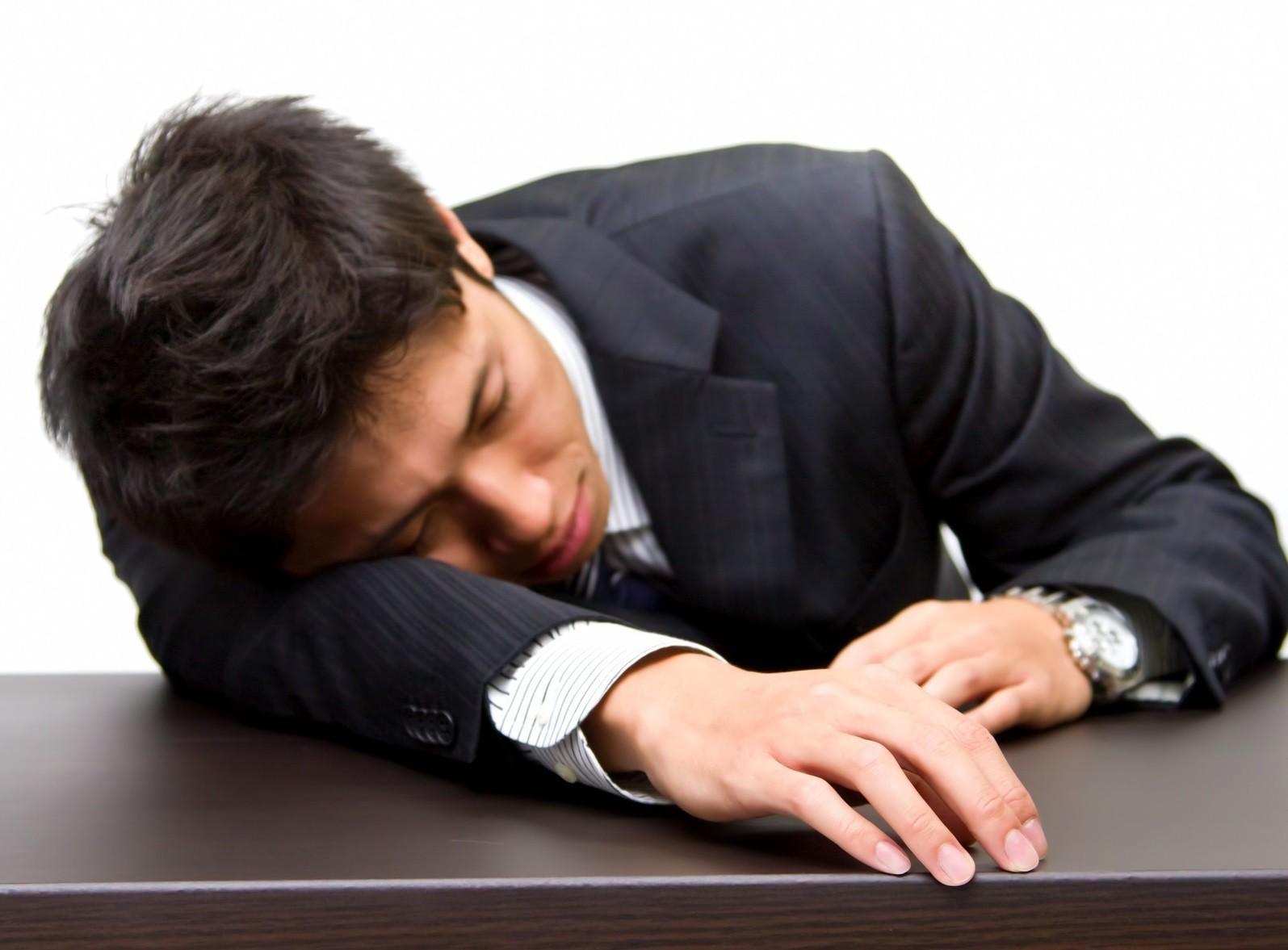 ▲▼上班族,社畜,工作,加班,疲勞,過勞,累,睡覺,睡眠,失眠(圖/取自免費圖庫Pakutaso)