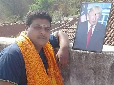印度農夫「膜拜川普照片」!天天獻花募款:想幫他蓋大廟