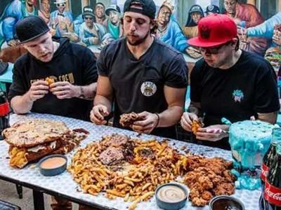 「一餐吃16公斤」肉都長去哪了?澳筋肉大胃王自曝吃不胖秘辛!