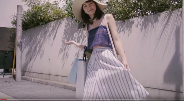 ▲▼新垣結衣拍廣告傻笑啊哈哈。(圖/翻攝自YouTube)