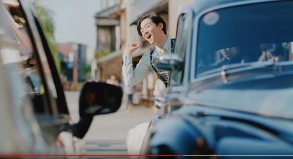 ▲▼長大版小丸子拍汽車廣告,花輪是183男神。(圖/翻攝自推特、YouTube)
