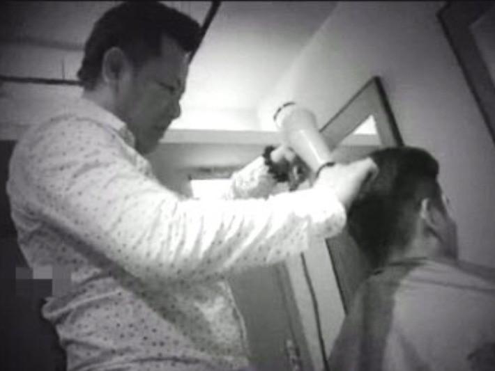 ▲▼剃掉痣毛倒大楣!理髮師苦笑:客人譙我「害他打麻將輸80萬」(圖/小檸檬供稿專用)