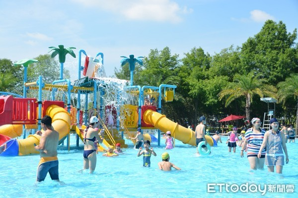 滑水道、漂漂河通通免費玩!全台5處親子水樂園盤點 假日沁涼放電不花錢 |