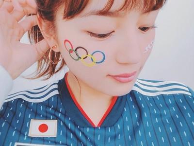 模特兒看世足「臉畫奧運五環」 網笑川口春奈:可以用到2020啦