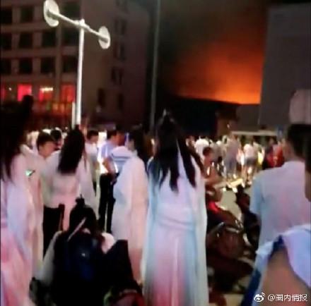 ▲▼王一博主演劇片場發生大火。(圖/翻攝王一博、「圈內情報」微博)