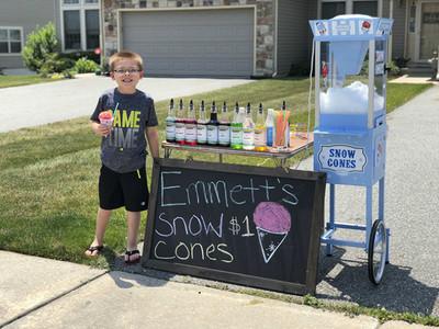 想買腳踏車自己賺!6歲男孩創業當「冰攤老闆」賣得嚇嚇叫