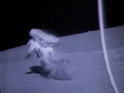 太空人「月球慘摔」全被NASA存檔!阿姆斯壯也有狗吃屎過