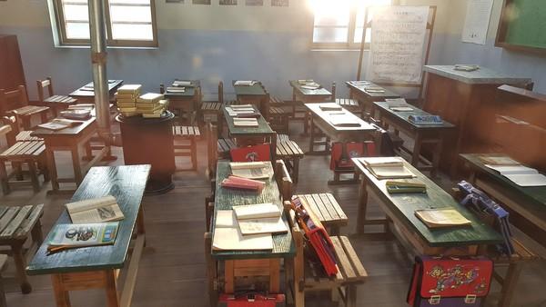 ▲▼學校,教室,課桌椅,校園,黑板。(圖/pixabay)