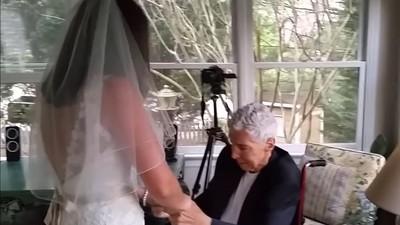 爸爸臨終前和女兒的最後一支舞 3年後在婚禮播放 賓客全都紅了眼眶