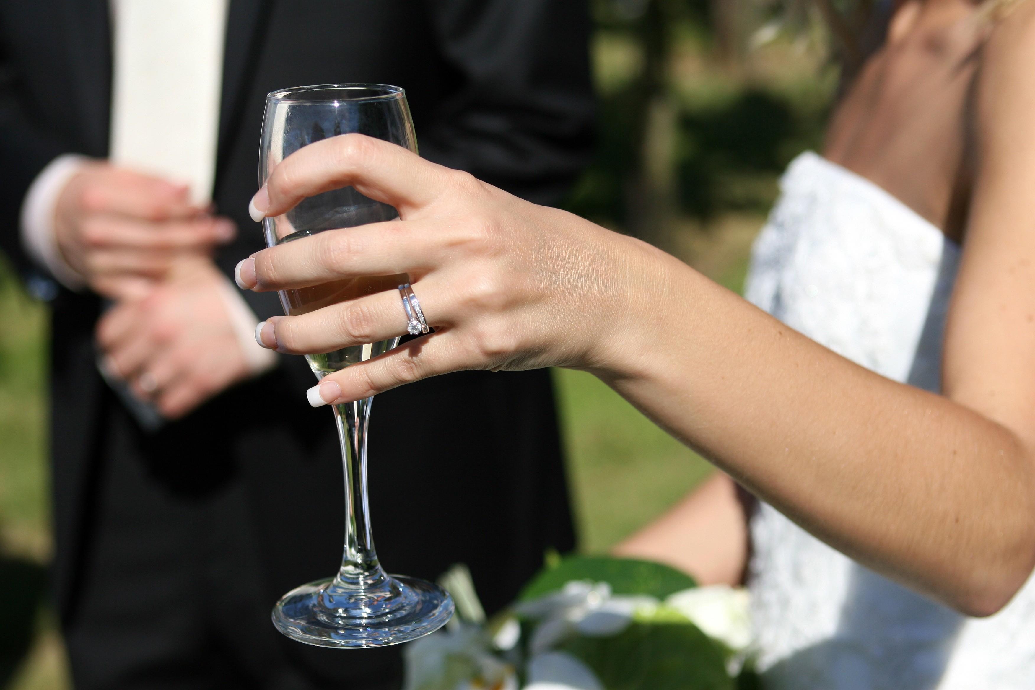 ▲▼出軌,戀愛,男女,交往,結婚。(圖/免費圖庫pxhere)