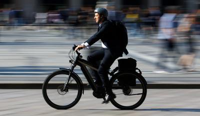 電動自行車領牌才能騎!交部將修法納管