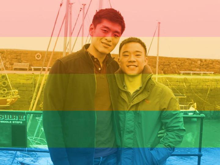 ▲新加坡建國總理李光耀的孫子李桓武(Li Huanwu)與男友合照。(圖/翻攝自李桓武臉書、Out In Singapore IG)