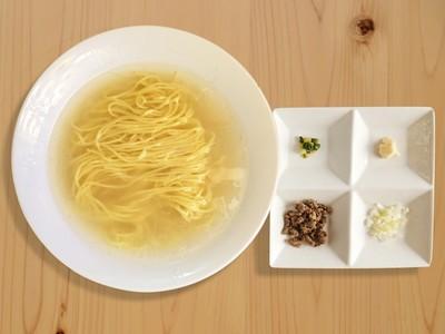 湯底只用100%鹿骨!東京極簡系「鹿拉麵」一碗不到300塊