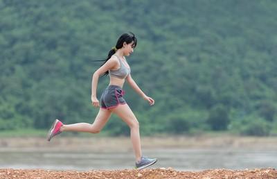 人類體內有「馬拉松基因」!強化肌肉耐力…進化後速度高出12%