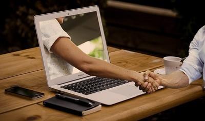 她嘆網路世代手寫情書成限量品 網喊中肯