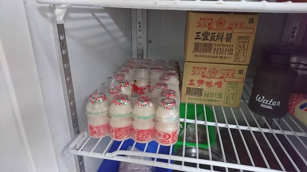 ▲養樂多放冰箱被偷喝,北市警備隊小隊長退休後堅持要追究(圖/翻攝自NPA署長室)
