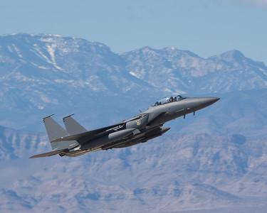 土耳其部隊逼近美軍駐地 F-15升空示威