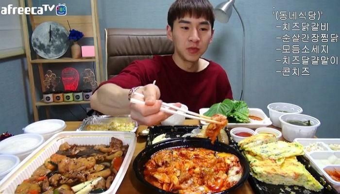 ▲▼南韓直播主Benzz(圖/翻攝自Youtube)