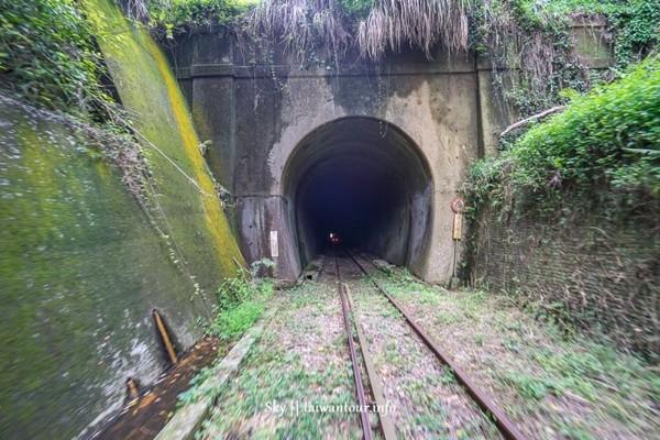 ▲苗栗舊山線鐵道自行車。(圖/跟著領隊玩提供)