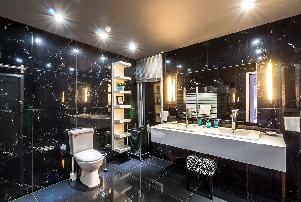▲▼浴室,廁所,豪宅,馬桶,洗澡,上廁所,衛浴。(圖/pixabay)