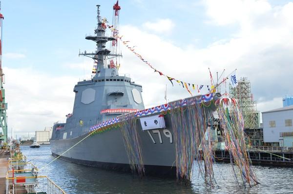 相隔12年下水宙斯盾驅逐艦 日本「摩耶號」排水量破萬噸