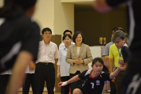 ▲▼總統蔡英文探視國訓中心選手。(圖/國訓中心提供)