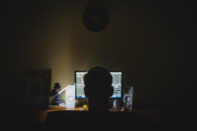 數位轉型 銀行憂網路攻擊
