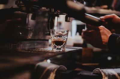 咖啡機會比長期外買便宜?網友揭真相