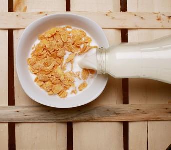 LINE瘋傳早餐吃燕麥片會致癌 食藥署「檢驗數據」打臉