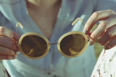 太陽眼鏡「6種鏡片顏色」有不同特點...你選對了?