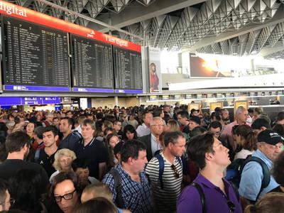 台人在德機場自動通關 陸客想跟遭攔