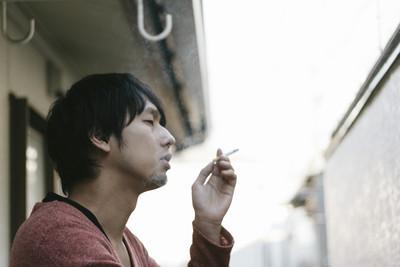 心理師艾彼│明知不好還做?「壞習慣」會分泌愛情激素讓人快樂