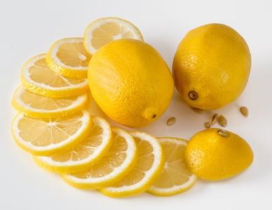 網傳檸檬可殺死「12種癌細胞」? 食藥署出面打臉了