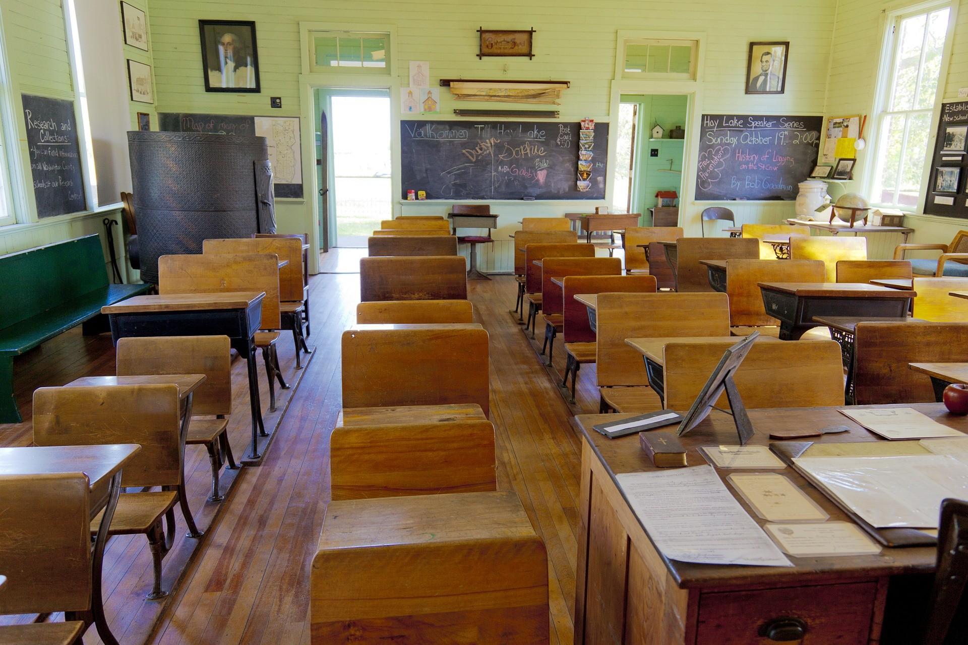 ▲▼國小教室(示意圖/取自Pixabay)