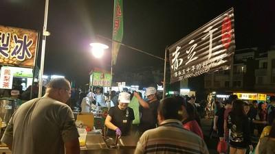 台中人首推旱溪夜市 美食超過200攤