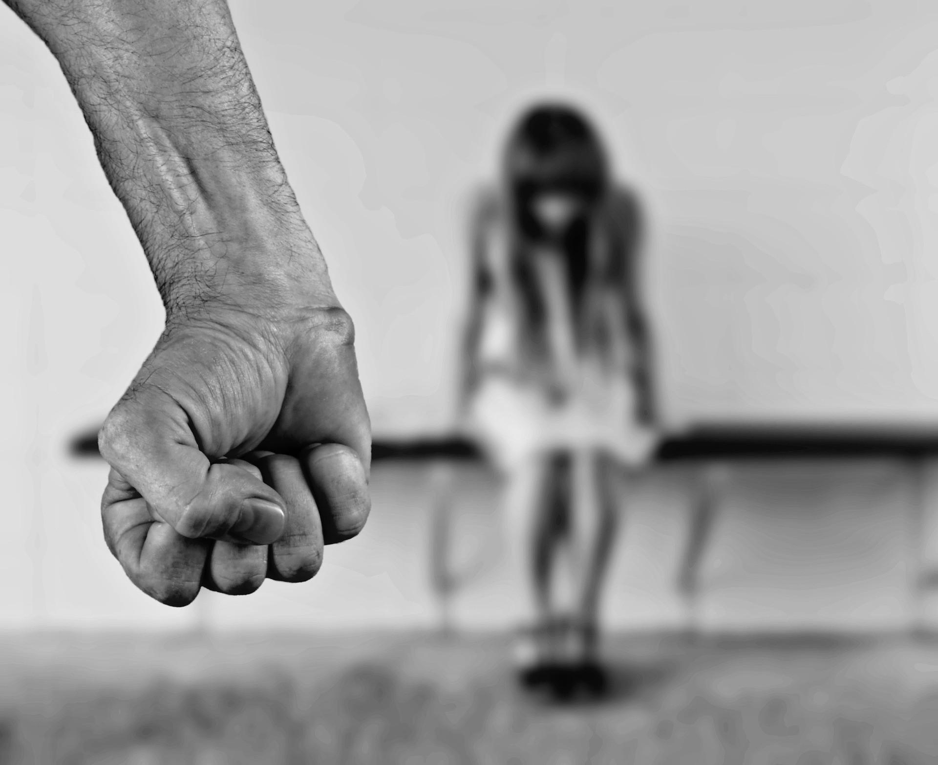 ▲▼強姦,輪姦(示意圖/Pixabay)