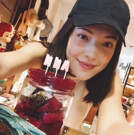 ▲▼許瑋甯「謝謝愛我的你」罕見放閃(圖/翻攝自Instagram/anno8o7)