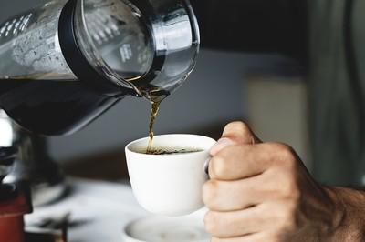 咖啡越濃「不一定越提神」 咖啡職人:研磨+沖泡法才是關鍵!