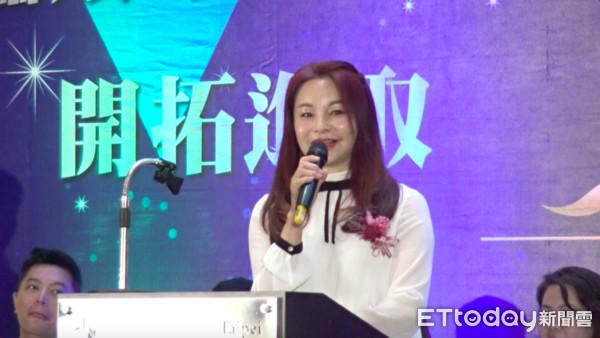 ▲▼周子瑜媽媽黃燕玲,出席國際紋繡大賽。(圖/記者黃軍瑋攝)